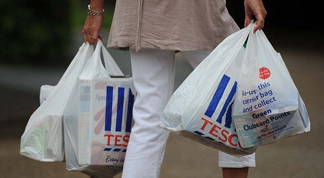 PIC DAVID CRUMP.TESCO PLASTIC BAGS
